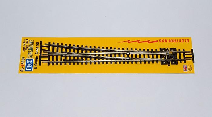 Peco SL-E388F Weiche rechts 10 Grad mit leitendem Herzstück großer Radius Läng